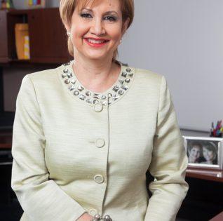 Leslie Torres
