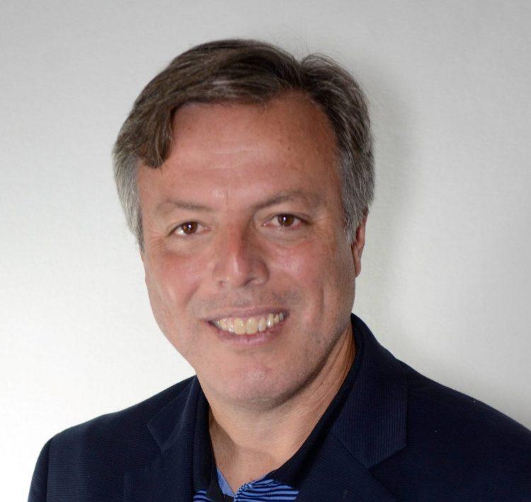 Leslie-Adames-Director-de-la-División-de-Análisis-y-Política-Económica-de-ETI-scaled-e1616426501986