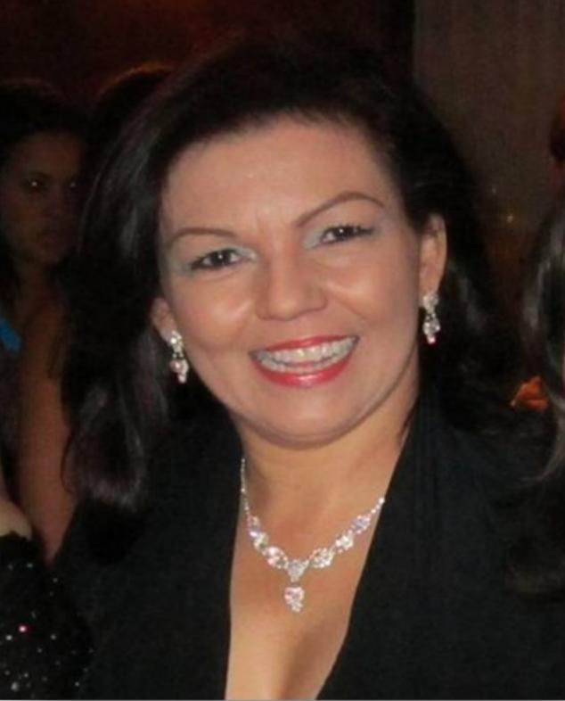 Dr. Luz León